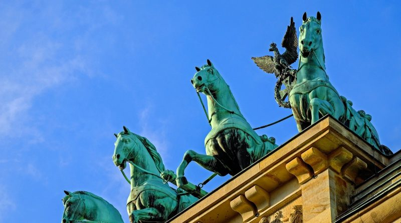 "Kolumne: ""Ablenkung vom Virus"" — Kulturtipps — Vol. 12"